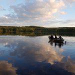 Kalastajia lähdössä vesille